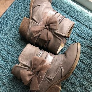 Jellypop Bow ankle bootie size 11